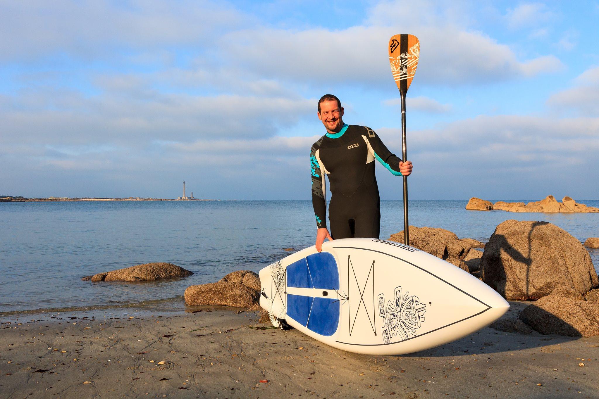 Le tour du Cotentin en SUP – Le Challenge Caritatif de Rémi BELAN