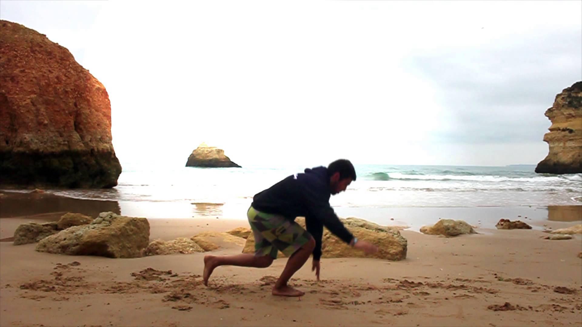 1 Leg Touch Down by Tiago Silva