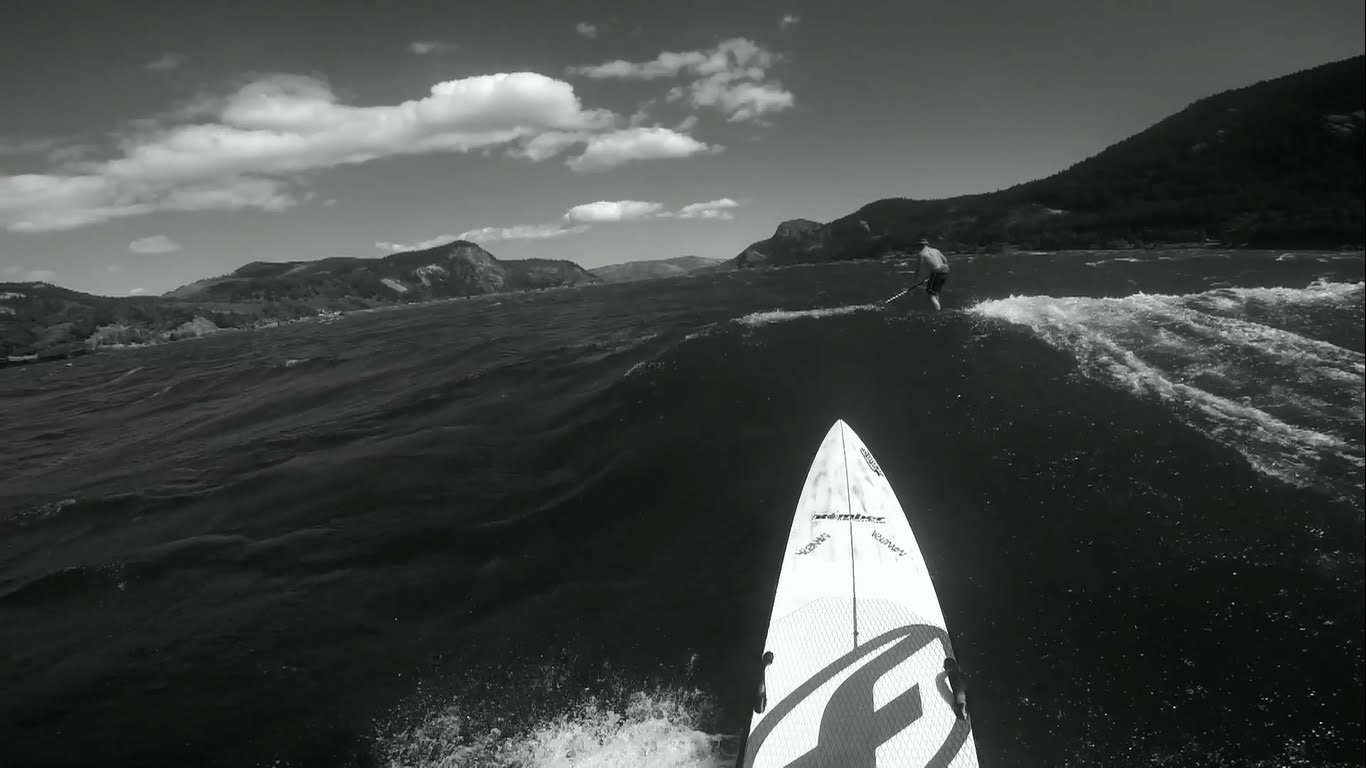 Huge Downwind by Arthur Daniel on Hood River