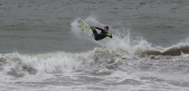 oihan aizpuru surf
