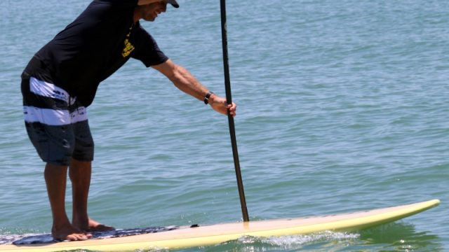 hips stand up paddle