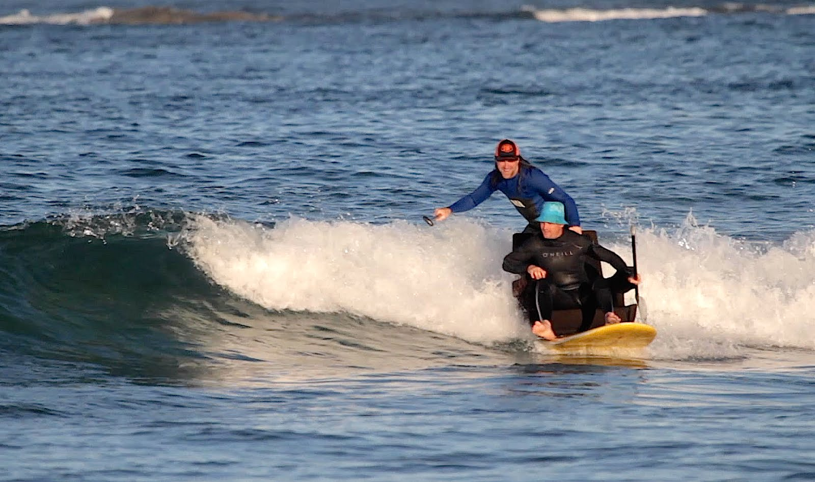 Dogman & Ploon offer us a funny SUP surfing video !