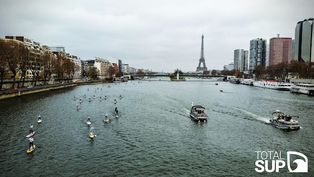 tour eiffel Stand Up Paddle
