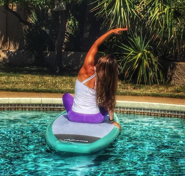 SUP Yoga Introduction: Indudalasana Side Stretch 1