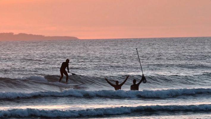 Apprendre à Surfer en Stand-Up Paddle Avec les Frères Teulade