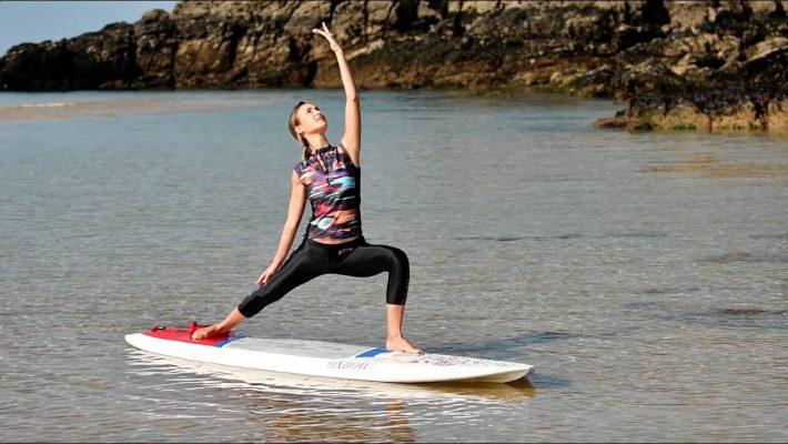Apprendre le SUP Yoga : Positions et Équilibre
