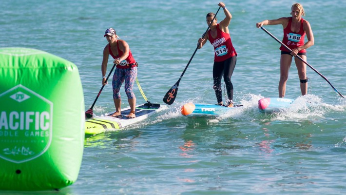 Angela Jackson fends off stiff competition form the likes of Sonni Hönscheid at the 2017 Pacific Paddle Games in Dana Point, California