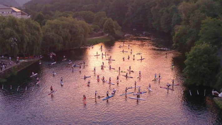 Paddlers assemble at the finish line of the 2017 Dordogne Intégrale race in France