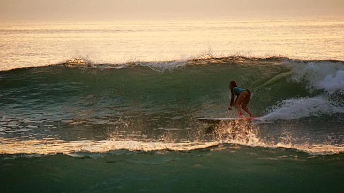 Inès Blatge en SUP Surf