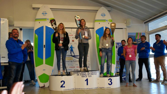 Amandine Chazot, Mélanie Lafenêtre and Inès Blatge on the podium at the French national SUP championship 2017
