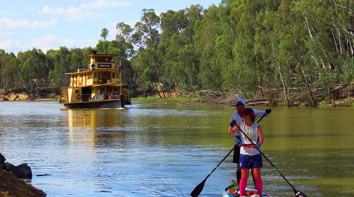 British Couple 1st to Complete the 404km Murray Marathon on Tandem SUP