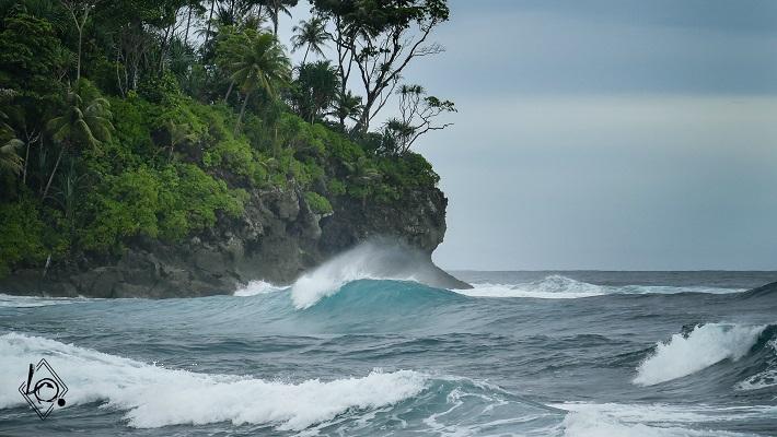 Loic Olivier: Surf Trip Entre Potes en Indonésie