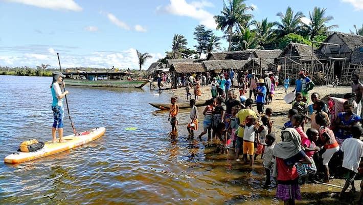 Carnet de voyage – Deux aventuriers Fool Moon sur le plus long canal du monde à Madagascar