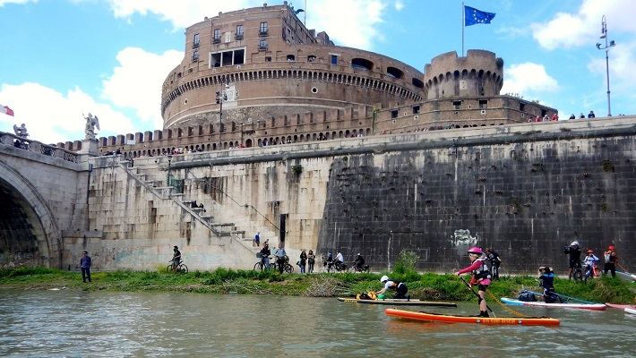 Paddle 18 KM Through the Heart of Ancient Rome with SUPRome!